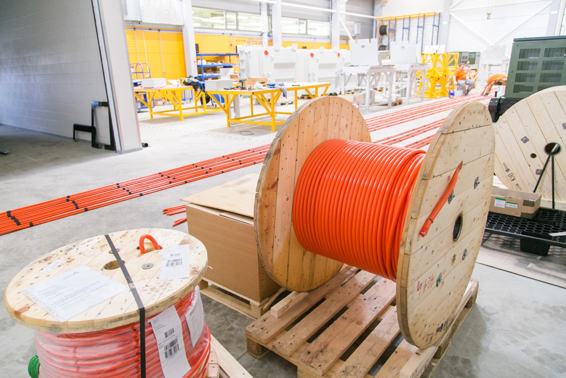 cable, orange, wooden drum